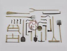 Royal Model 1/35 Assorted Farm Tools [Farmyard Diorama Accessory Model] 637