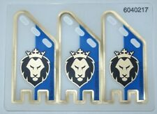LEGO 70404 - Plastic Flag, Lion w/ Crown Pattern, Squared Ends, Complete Sheet