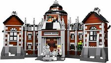 The Lego Batman Movie Arkham Asylum (70912) - No minifigs or Police car