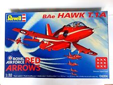 Revell 1:32 scale Model Kit - Revell 04284 BAe Hawk T.1A RAF Red Arrows