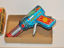 Vintage DAIYA Japan Tin Baby Space Ray Gun, Sparks and Sirens, perfect litho toy