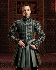 Rhys Meyers, Jonathan [The Tudors] (43964) 8x10 Photo