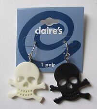 GD black white PLASTIC SKULL dangle Earrings CLAIRES FASHION JEWELRY