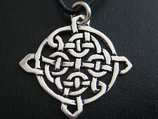 Keltischer Knoten 925'er Silber + Echtlederband Ketten Anhänger  / KA 291