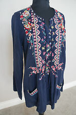 NEW Johnny Was Rayon Floral Embroidered Boho Pleat Tunic Top Blouse Navy S