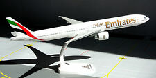 Emirates Airlines Boeing 777-300er 1:200 Herpa Snap-Fit 610544 modello b777