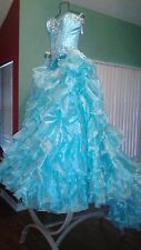 Turquoise Quinceanera dress, corona, y ramo | 15 dress, crown, and bouquet
