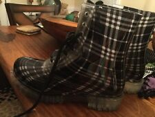 Women's Dirty Laundry Black and White Plaid Boots Size 9 Jelly
