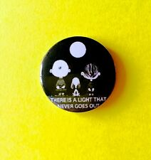THE SMITHS THERE IS A LIGHT CHARLIE BROWN SNOOPY PEANUTS BUTTON PIN BADGE