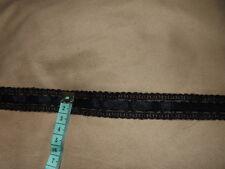 2M de dentelle brodee avec passsants + ruban de velours col noir larg 2cm