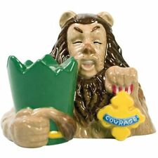 Wizard of Oz Magnetic Cowardly Lion and Courage Badge Salt & Pepper Shaker Set