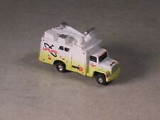 N Scale 2004 White & Yellow Ford Channel 5 Remote New Truck w/satelite disk.
