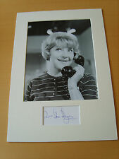Dora Bryan Carry On Genuine Autograph - UACC / AFTAL.