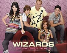 David DeLuise Signed Photo - WIZARDS  OF WAVERLY PLACE - SON OF DOM  G1040