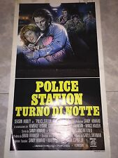 LOCANDINA POLICE STATION TURNO NOTTE HUBLEY LEISURE Poster Playbill