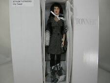 TONNER SHAUNA CITY TWEED 2013 NRFB DOLL
