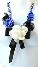 LADIES CHUNKY BLUE WHITE RIBBON FLORAL NECKLACE SUMMER PIECE NEW UNIQUE (ST33)