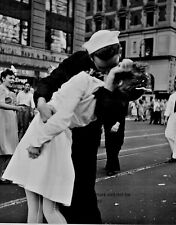 """New York City Times Square Kiss 8""""x 10"""" World War II Photo Picture #17"""
