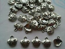 30 x tibétain style cupcake charms/pendentifs
