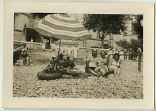 PHOTO ANCIENNE - FAMILLE PLAGE MAILLOT DE BAIN - BEACH SWIMSUIT-Vintage Snapshot