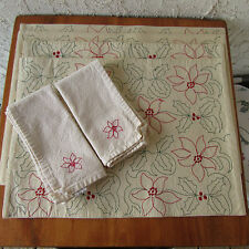Embroidered Christmas Placemats & Napkins Poinsettia Flower & Holly 6 pieces