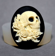 Skull  - silicone mould - sugarcraft polymer clay, fimo reisn mold goth wax