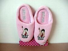 BETTY BOOP SLIPPERS WITH LEG UP DESIGN PINK
