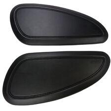 Zwei Motorrad Tankpad Kniepad schwarz glatt für Motorradtanks Triumph Cafe Racer