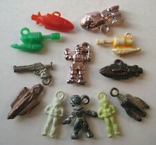 VINTAGE Plastic OUTER SPACE Gumball Charms LOT Prize RAY GUN SHIP MAN 1950's