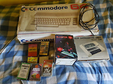 COMPUTER COMMODORE 64 C BOXATO CON ACCESSORI