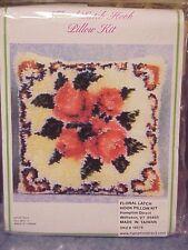 Pretty Hampton Direct FLORAL Latch Hook Pillow Kit    --   NIP