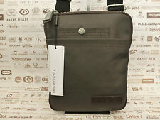 Calvin Klein SLIM BODY BAG chb0 Borse a tracolla iPad / Tablet Custodia Bnwt Rrp £ 80