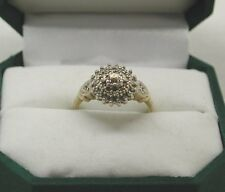 A Very Nice 9ct Gold 0.20ct  Diamond Set Cluster Ring