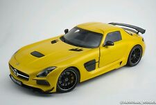 1/18 Minichamps Mercedes Benz AMG SLS Black Series yellow dealer edition rare