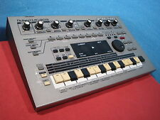 Roland MC-303 GrooveBox Synthesizer Drum Percussion Machine world wide shipping