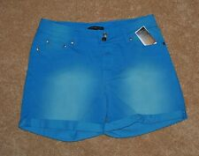 NWT WOMAN'S SIGNATURE STUDIO SHORTS SIZE 12