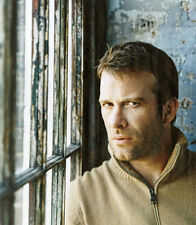 Thomas Jane UNSIGNED photo - D385 - The Mist, Face/Off and Dreamcatcher