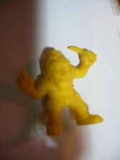 MATCHBOX panini Monster In My Pocket  n° 25 RED CAP Bonnet Rouge yellow jaune