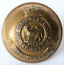 Victorian.The Royal West Surrey Regiment.25mm Officers's Brass button(PITT & CO)
