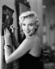 American Actress Model MARILYN MONROE 8x10 Photo Print Giving Autograph Poster
