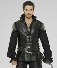 Colin O'Donoghue UNSIGNED photo - G1310 - Once Upon a Time