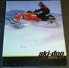 2001 SKI-DOO SUMMIT SNOWMOBILE SALES BROCHURE 16 PAGES NICE POSTER SIZE (462)