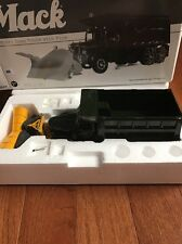 Extremely Rare First Gear Diecast Mack Granite Heavy  Dump Truck W Plow 1/34 1st