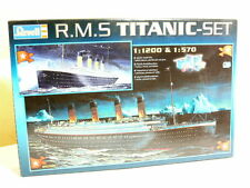 Revell  05705  Passagierschiff R.M.S TITANIC , 2 Bausätze 1:1200 + 1:570 ,  OVP