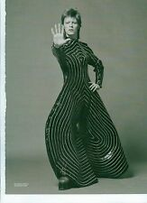 DAVID BOWIE in a crazy swirl outfit magazine PHOTO/ Poster/clipping 11x8 inches