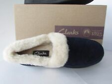 Clarks Women's Navy Quilted Suede Plush Faux-Fur Lining  Slippers, size 7