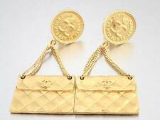 Auth CHANEL Vintage 96P Matelasse Bag Motif Clip-On Earrings Goldtone - e21831