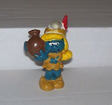1983 Peyo Schleich Indian Smurfette with POT PVC figure SMURF Vintage Hong Kong