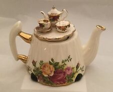 Royal Albert Doulton Old Country Roses Victorian teapot cardew made in England