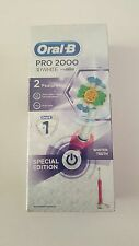 Oral-B Pro 2000 3D White Rechargeable Electric Toothbrush (Brand New)